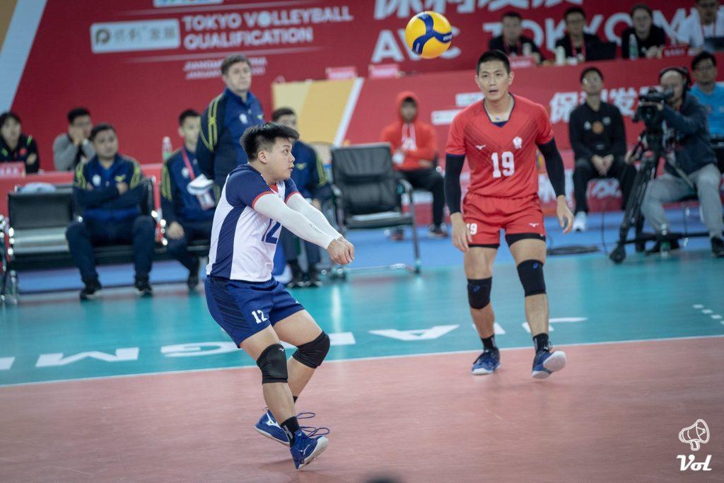 日本高中排球訓練特輯,低手接球時的身體控制